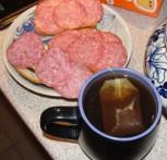 Обыкновенная закусочная, или Бутерброды и чай против фаст-фуда
