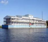Строительство плавучих гостиниц и ресторанов