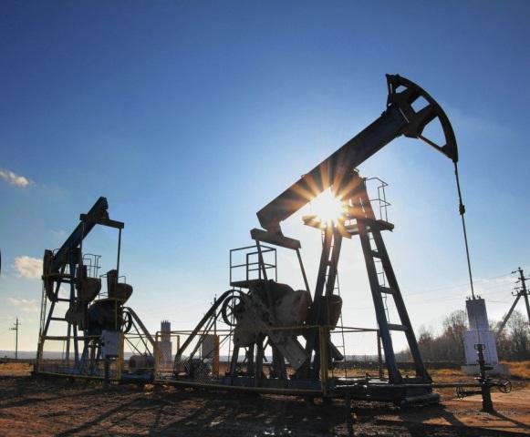 Цена нанефть восстановила потери иначала рост