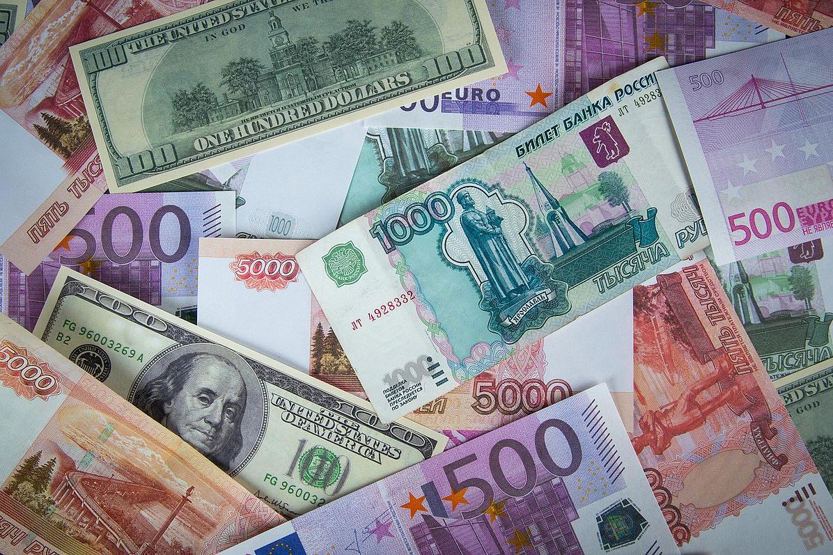 ЦБРФ возобновил покупки валюты для министра финансов