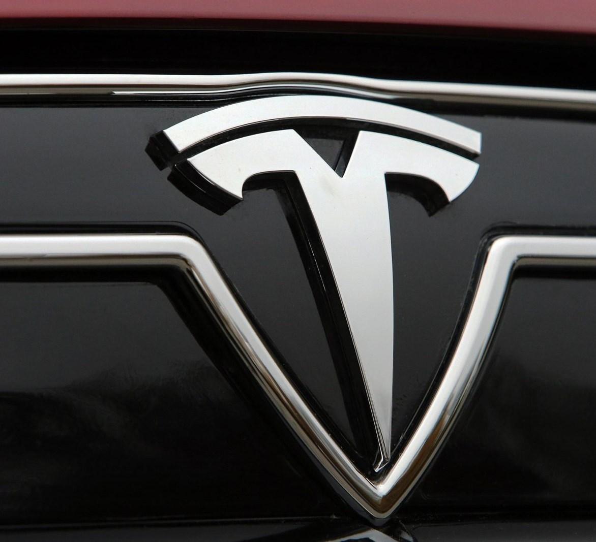 Компания Tesla Inc. хочет презентовать свой 1-ый фургон