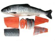Чтобы неразделанная замороженная рыба размораживалась намного быстрее, в холодную воду добавьте соль, примерно 1...