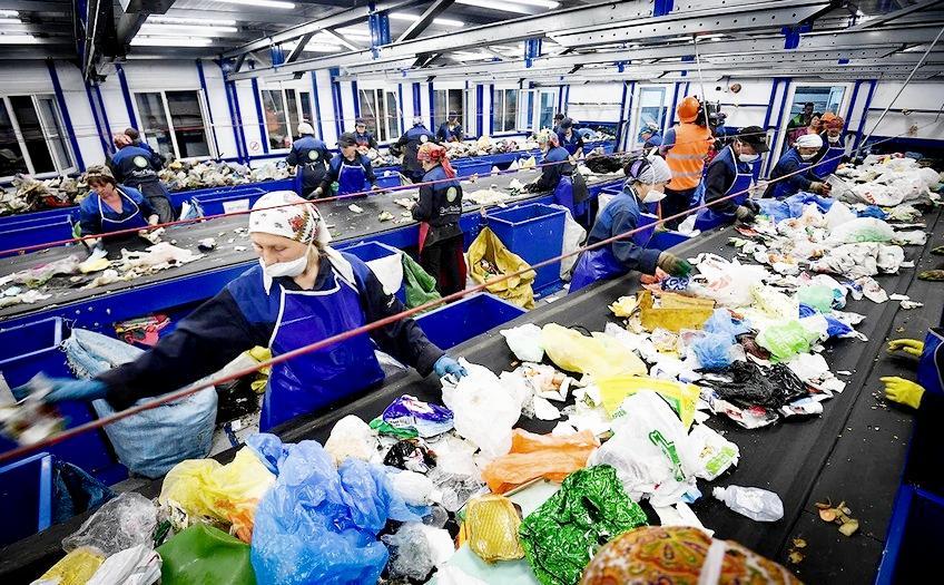 Ручная сортировка отходов